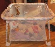 Продам детскую коляску,  манеж ,  ванночку,  кроватку,  стульчик