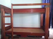 Продается деревянная двухъярусная кровать