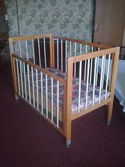 Детская кроватка (советская) с матрасом